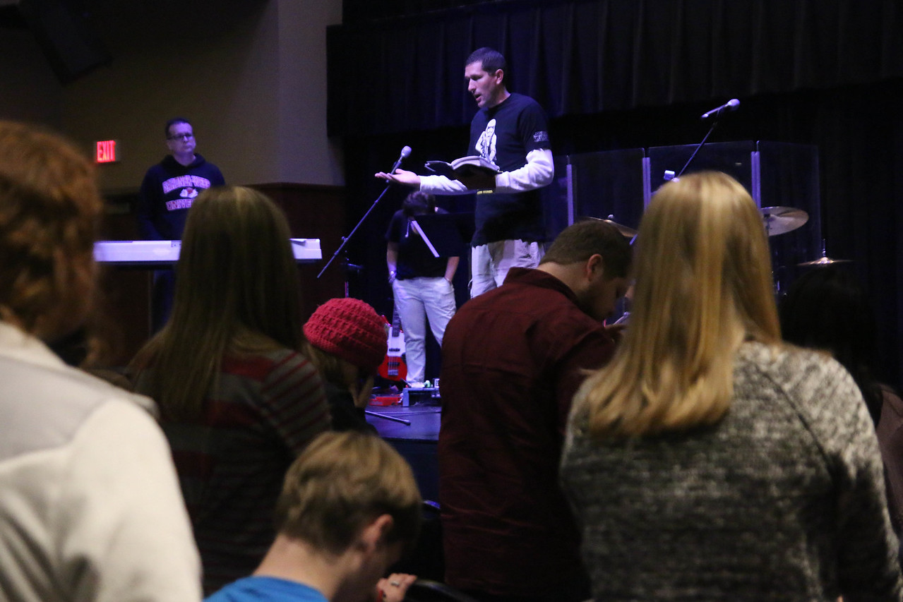 Neil Payne, closed out the main session with reading the Word and prayer on Saturday afternoon.
