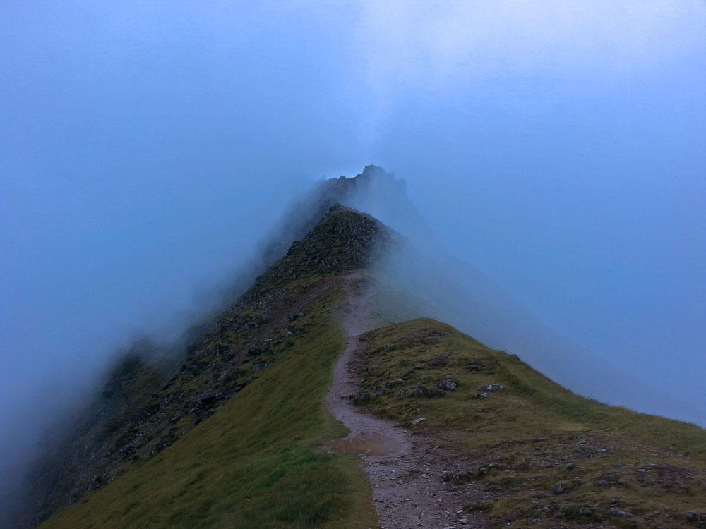 The ridge trail awaited us :)