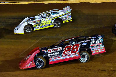 Eddie Carrier, Jr. (28) and Devin Moran (99M)