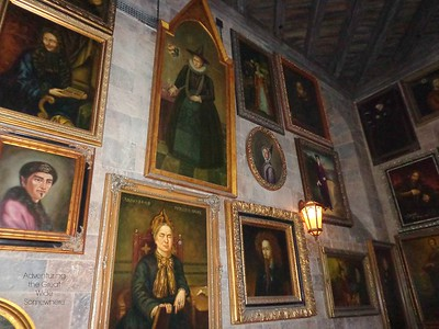 The interior of Hogwarts Castle in Orlando FL features moving portraits
