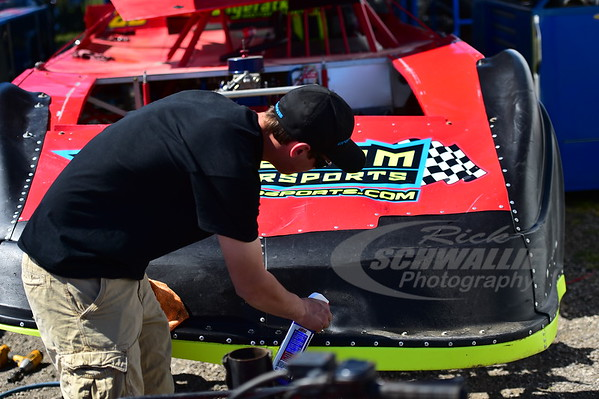 Mike Benedum's car is cleaned on