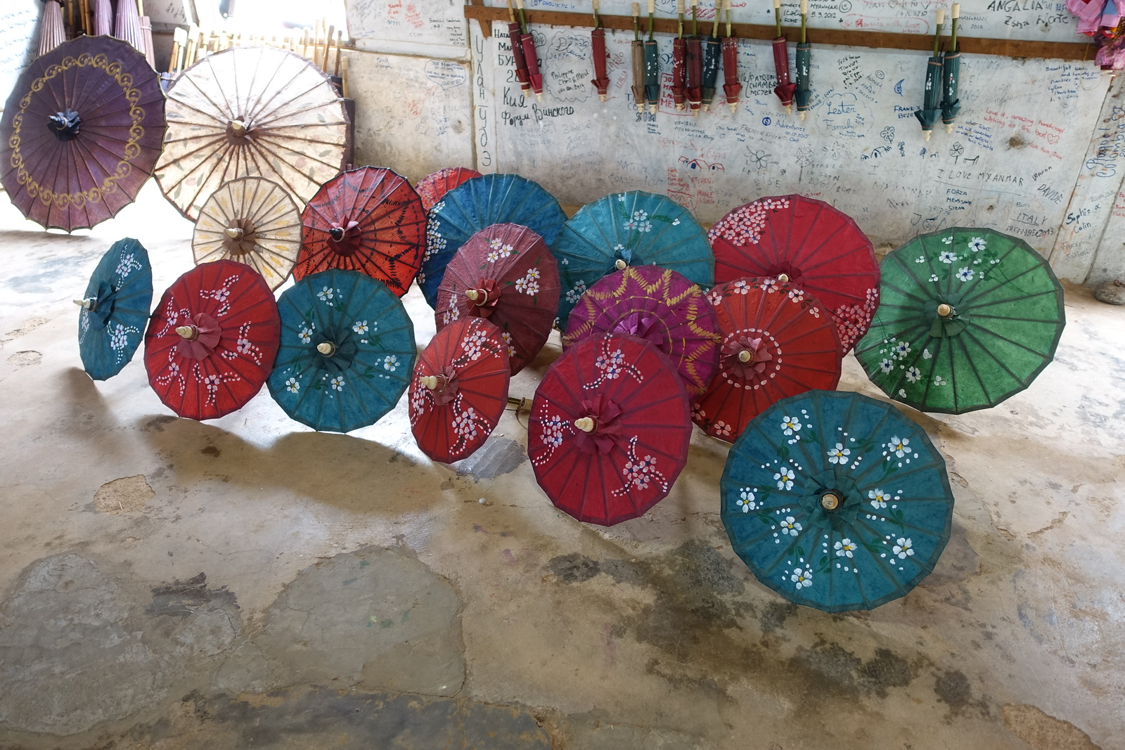 Pindaya – Homemade Paper Umbrellas