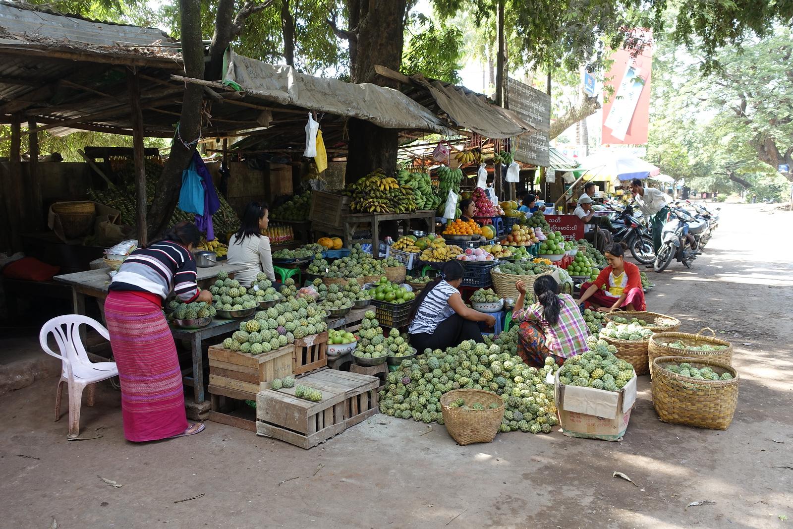 Bagan – Mount Popa Market