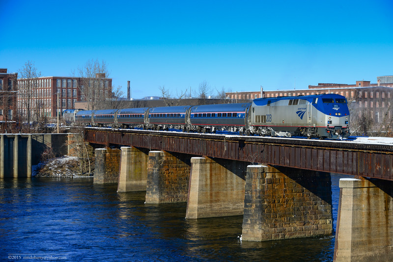 The southbound Vermonter crosses the Connticut River Bridge from Holyoke to Chicopee on January 25, 2015.