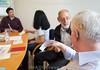 Hörkurs für ältere Menschen angeboten von Pro Audito in Zürich © Patricjk Lüthy/IMAGOpress,com
