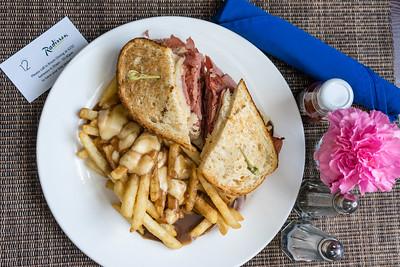 Reuben sandwich with poutine