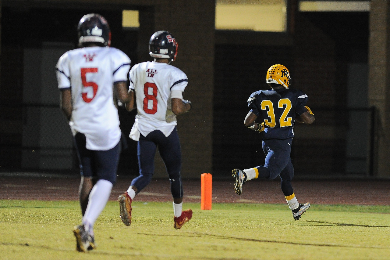 Rocky Mount Nick Bynum (32) runs in for the TD. Rocky Mount defeats Southern Nash 35-14 Friday evening October 30, 2015 in Rocky Mount, NC (Photos by Anthony Barham / WRAL contributor.)