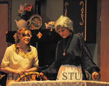 16 D SPRING PLAY-ANNE GRN GBLES 0137