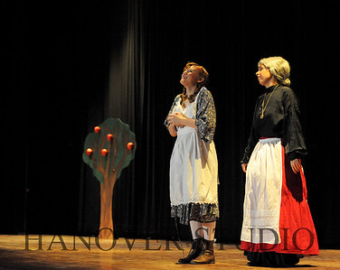 16 D SPRING PLAY-ANNE GRN GBLES 0302
