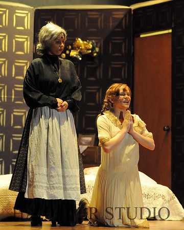 16 D SPRING PLAY-ANNE GRN GBLES 0187