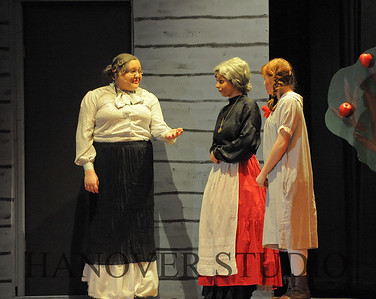 16 D SPRING PLAY-ANNE GRN GBLES 0322