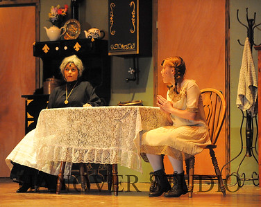 16 D SPRING PLAY-ANNE GRN GBLES 0142