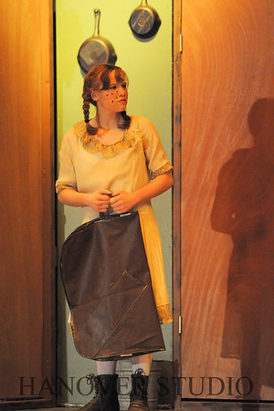 16 D SPRING PLAY-ANNE GRN GBLES 0084