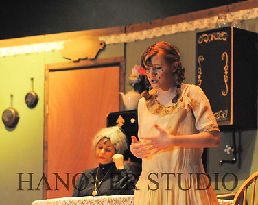 16 D SPRING PLAY-ANNE GRN GBLES 0152