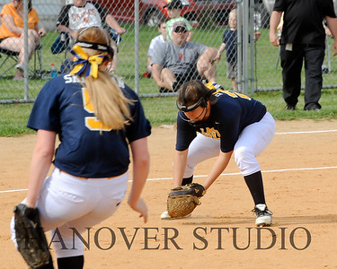 16 D VS L SOFTBALL 4-25-16   0617