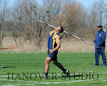 16 L VS D TRACK AND FIELD 3-29-16  0157