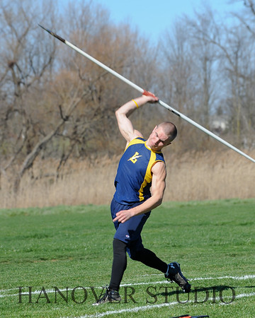16 L VS D TRACK AND FIELD 3-29-16  0102
