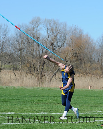 16 L VS D TRACK AND FIELD 3-29-16  0335