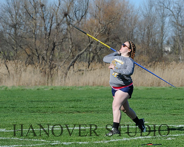16 L VS D TRACK AND FIELD 3-29-16  0415