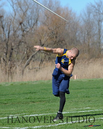16 L VS D TRACK AND FIELD 3-29-16  0103