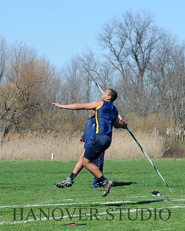 16 L VS D TRACK AND FIELD 3-29-16  0152