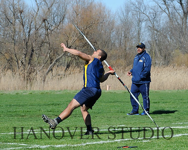 16 L VS D TRACK AND FIELD 3-29-16  0155