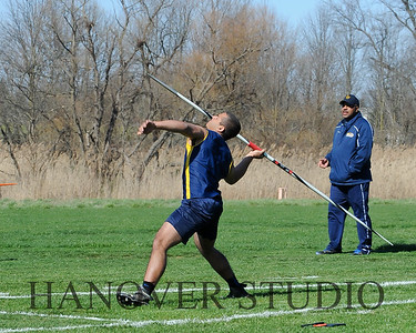 16 L VS D TRACK AND FIELD 3-29-16  0156