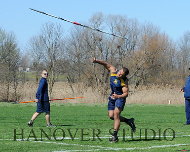 16 L VS D TRACK AND FIELD 3-29-16  0158