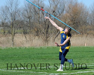 16 L VS D TRACK AND FIELD 3-29-16  0242