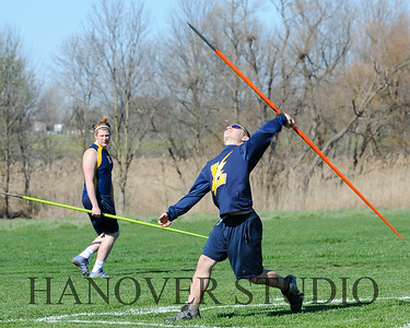 16 L VS D TRACK AND FIELD 3-29-16  0227