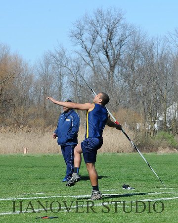 16 L VS D TRACK AND FIELD 3-29-16  0151
