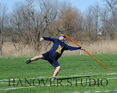 16 L VS D TRACK AND FIELD 3-29-16  0143