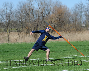 16 L VS D TRACK AND FIELD 3-29-16  0144