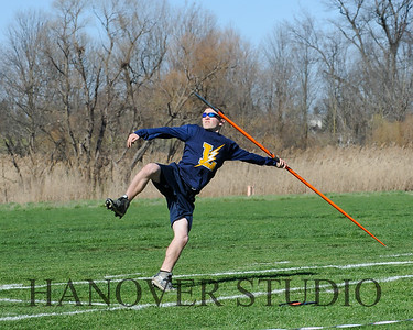 16 L VS D TRACK AND FIELD 3-29-16  0142