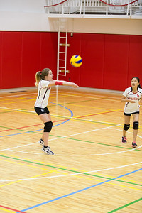 MS Girls VBall St  Maur 10 Sept-18