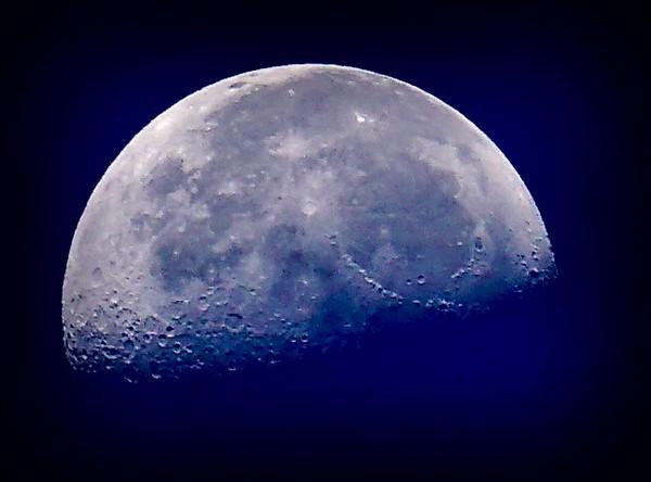 Moon Over Maui 9/22 0630