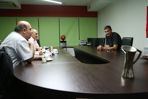 Coach`s meeting with Greece`s consul
