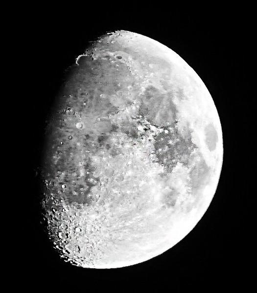 Half Super Moon