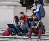 Cuba : Foro Juvenil pensando Américas,en la Universidad de la Habana,Plaza / Students with computers and smartphones in front of the University of Havana / Kuba : Studenten mit Computer und Smartphones vor der Universität in Havanna © Ariel Cecilio Lemus Alvarez de la Campa/LATINPHOTO.org