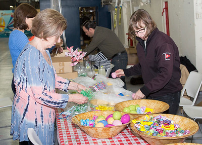 2016-03-25 Easter Egg Dyeing