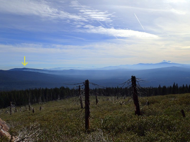 Smoke plumes PCT Dead Indian Plateau Oregon
