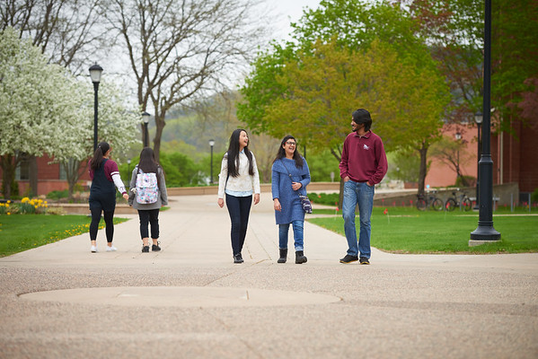 2017_UWL_International_Students_Spring_Campus_0107