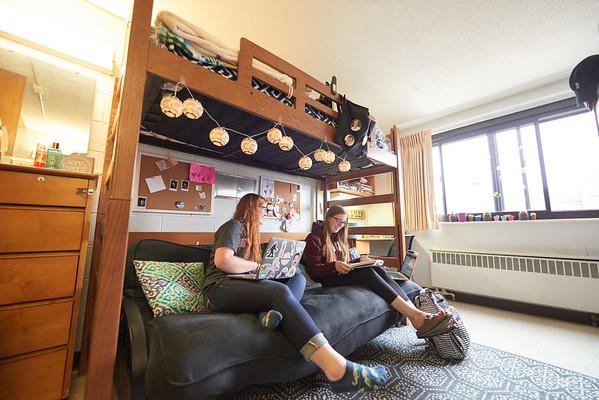 2017_UWL_Residence_Hall_Students_0102