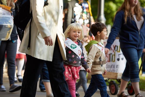 2016_UWL_Child_Care_Center_Oktoberfest_Parade_054