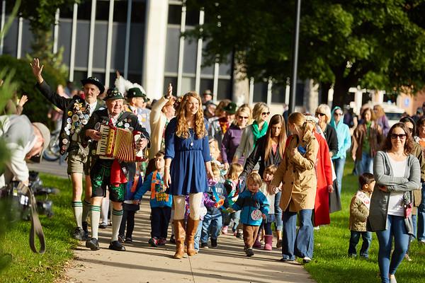 2016_UWL_Child_Care_Center_Oktoberfest_Parade_041