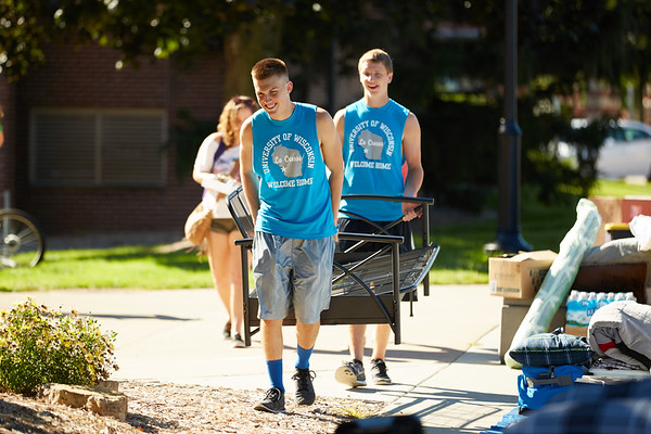 2016_UWL_Freshman_Move_in_Day_Welcome_Week_003