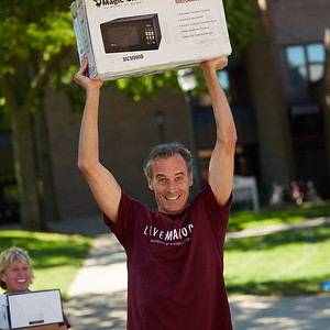 2016_UWL_Freshman_Move_in_Day_Welcome_Week_152