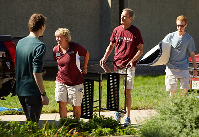 2016_UWL_Freshman_Move_in_Day_Welcome_Week_077