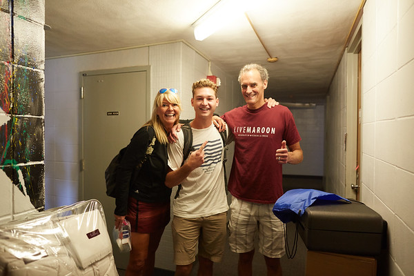 2016_UWL_Freshman_Move_in_Day_Welcome_Week_053