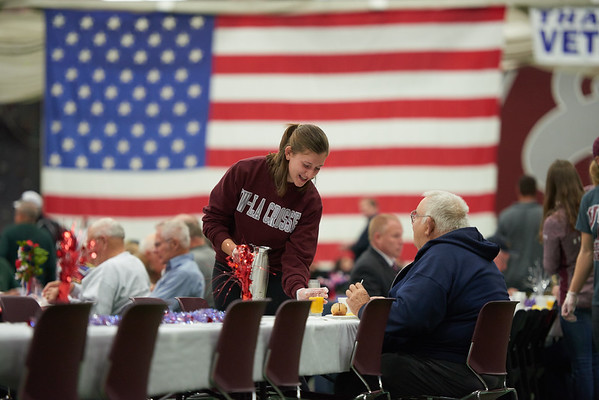 2016_UWL_Veterans_Day_Breakfast_046